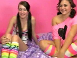 Amateur Handjob Teen Babe Wanks Bloke Porn Videos