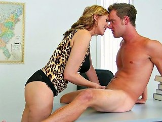 Sassy Blonde Mommy Julia Ann Gets Her Muff Licked And Fucked By Van Wylde